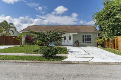 Jupiter Single Family Home For Sale: 129 Banyan Circle