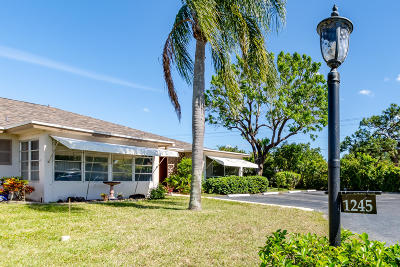 Delray Beach FL Single Family Home For Sale: $99,000