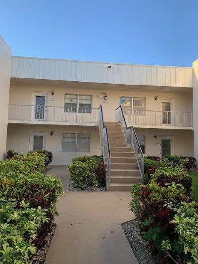 Delray Beach Condo For Sale: 130 Normandy C