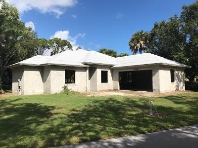 Vero Beach Single Family Home For Sale: 810 Carolina Circle SW