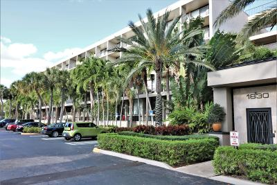 West Palm Beach Condo For Sale: 1830 Embassy Drive #504