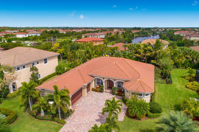 Palm Beach County Single Family Home For Sale: 109 Citadel Circle