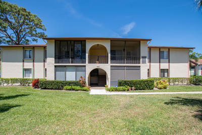 Greenacres Condo For Sale: 302 Knotty Pine Circle #B-2