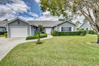 Boynton Beach Single Family Home For Sale: 8 Holly Drive