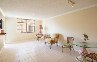West Palm Beach Condo For Sale: 1801 Flagler Drive #827