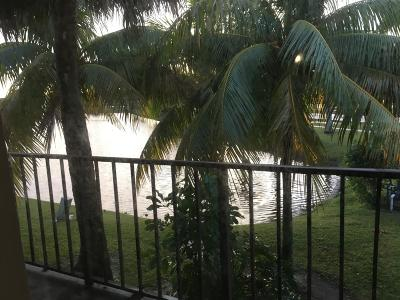 West Palm Beach Condo For Sale: 1562 Lake Crystal Drive #G
