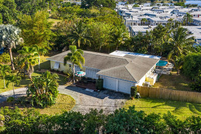 Lake Worth Single Family Home For Sale: 821 Sunset Drive