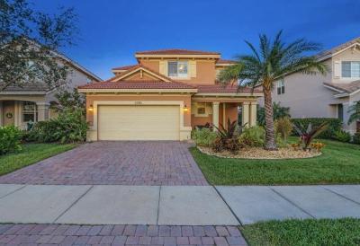 Single Family Home For Sale: 5785 SE Crooked Oak Avenue