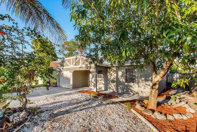 Stuart FL Single Family Home For Sale: $219,900