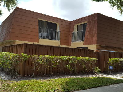 Boynton Beach Townhouse For Sale: 622 Buttonwood Lane