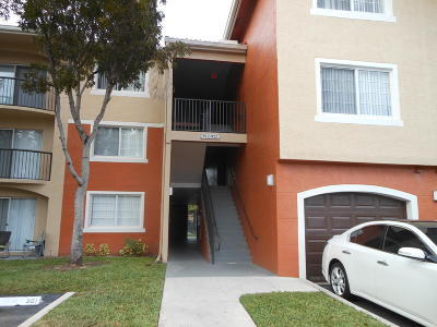 West Palm Beach Condo For Sale: 4175 N Haverhill Road #913