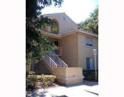 West Palm Beach Condo For Sale: 1105 Glenmoor Drive