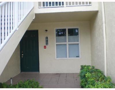 West Palm Beach Condo For Sale: 16104 Glenmoor Drive