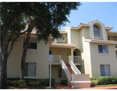 West Palm Beach Condo For Sale: 16304 Glenmoor Drive