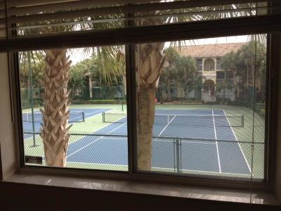 West Palm Beach Condo For Sale: 18208 Glenmoor Drive