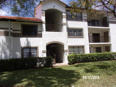 Broward County Condo For Sale: 520 S Park Road #25-12