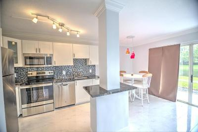 West Palm Beach Condo For Sale: 1252 The Pointe Drive