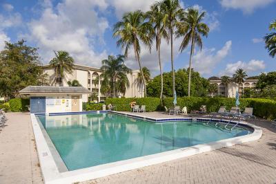 Coconut Creek Condo For Sale: 4602 Martinique Way #C4