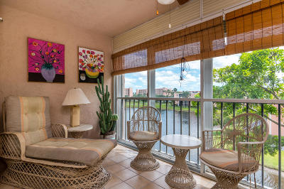 Delray Beach Condo For Sale: 7340 Amberly Lane #410