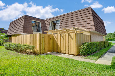 Palm Beach Gardens Townhouse For Sale: 2514 25th Lane