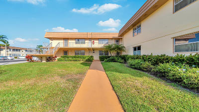 Delray Beach Condo For Sale: 213 Saxony Lane