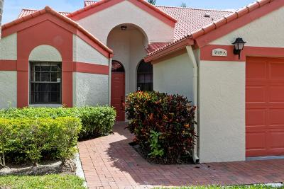 Delray Beach Townhouse For Sale: 7849 Lexington Club Boulevard #A