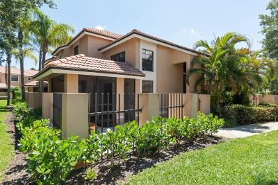 Palm Beach Gardens Townhouse Contingent: 360 Prestwick Circle #1