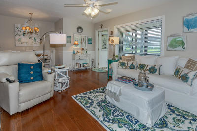 Palm Beach County Condo For Sale: 117 Lake Pine Circle #C-1