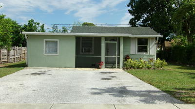 Lake Worth Single Family Home For Sale: 4337 Clinton Boulevard