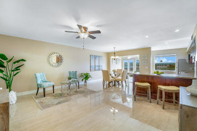 Palm Beach County Condo For Sale: 30 Colonial Club Drive #303