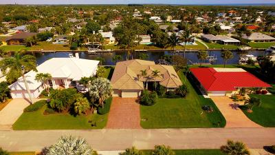 Hobe Sound Single Family Home Contingent: 8521 SE Royal Street