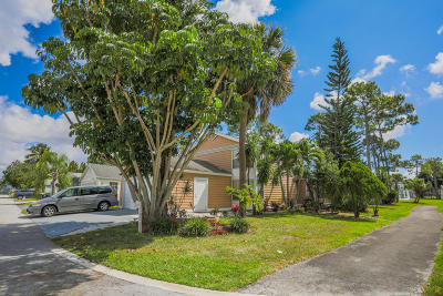 West Palm Beach Single Family Home For Sale: 5599 Dewberry Way