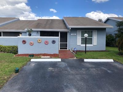 Lake Worth Single Family Home For Sale: 4470 Lucerne Villas Lane