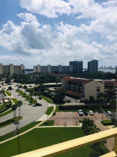 North Palm Beach Condo For Sale: 336 Golfview Road #1018
