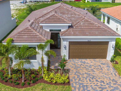Lake Worth Single Family Home For Sale: 7213 Estero Drive