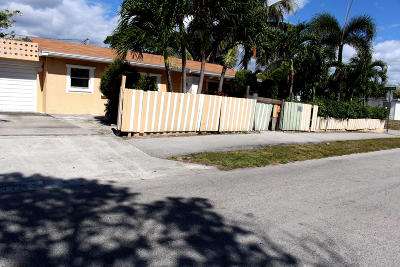 Lake Worth Single Family Home For Sale: 1124 Peak Road