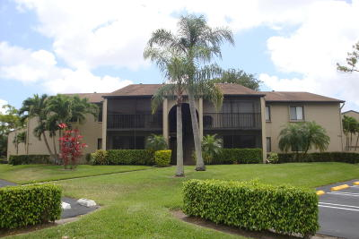Palm Beach County Condo For Sale: 526 Shady Pine Way #D1