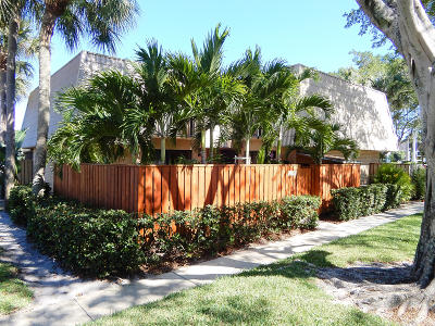 Palm Beach County Townhouse For Sale: 5434 54th Way