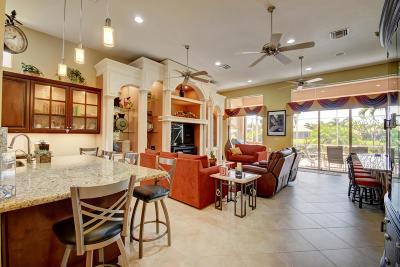 Boynton Beach Single Family Home For Sale: 7132 Vesuvio Place