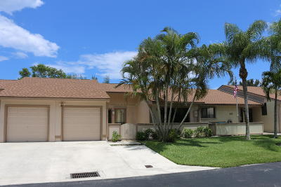 Boynton Beach Single Family Home For Sale: 92 Mayfair Lane