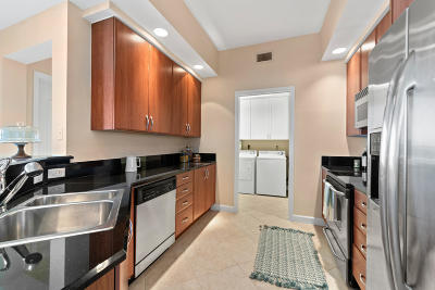 West Palm Beach Condo For Sale: 801 S Olive Avenue #1104