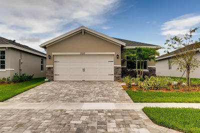 Martin County Single Family Home For Sale: 7237 SE SEbona Court