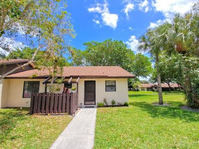 Boynton Beach Single Family Home For Sale: 28 Via De Casas Norte #28