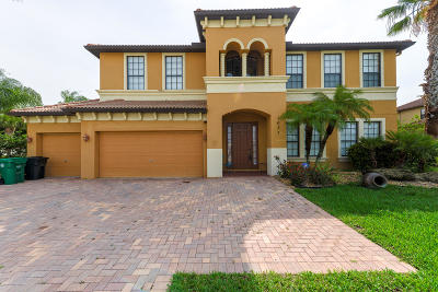 Port Saint Lucie Single Family Home For Sale: 2057 SW Bayshore Boulevard