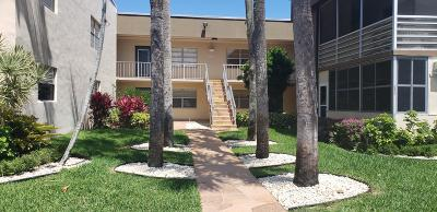 Delray Beach Condo For Sale: 207 Piedmont
