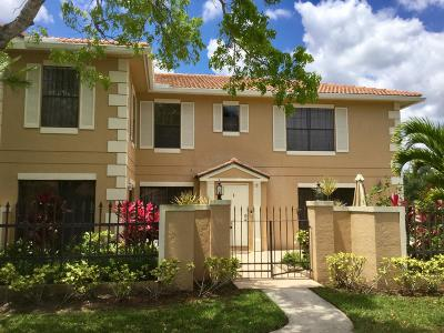 Palm Beach Gardens Townhouse For Sale: 390 Prestwick Circle #1
