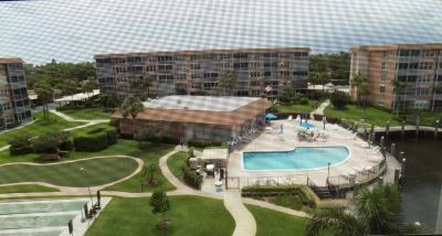 Palm Beach County Condo For Sale: 911 Gardenia Drive #451