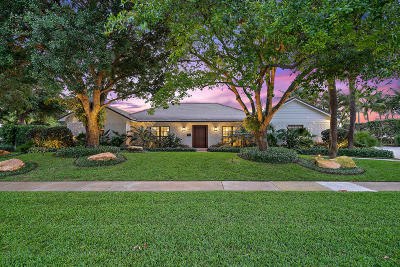 North Palm Beach Single Family Home For Sale: 11905 Lake Shore Place
