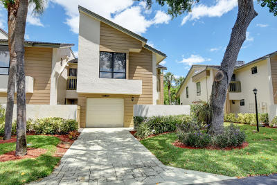 Boca Raton FL Townhouse For Sale: $326,500