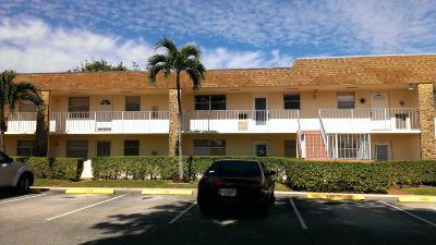 Boca Raton Condo For Sale: 9911 Sandalfoot Boulevard #112